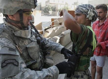 """Amerykanie nie tylko """"eksportują"""" swoją wersję demokracji. Towarzyszy temu eksport broni. /AFP"""