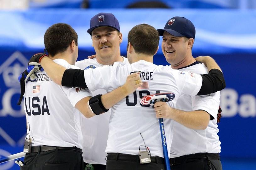 Amerykanie po raz pierwszy w historii zdobyli złoty medal olimpijski w curlingu /AFP