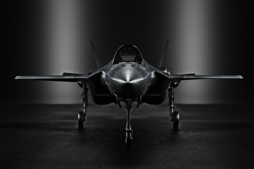 Amerykanie rozwijają myśliwiec nowej generacji /123RF/PICSEL