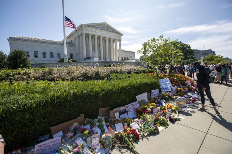 Amerykanie składają hołd sędzi Ginsburg /AFP