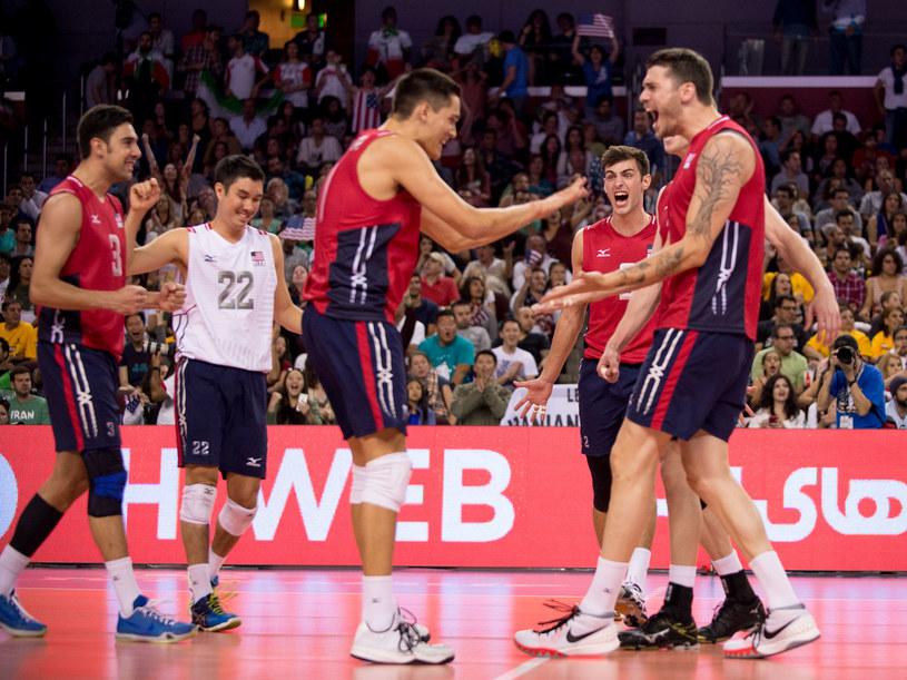 Amerykanie świętują zwycięstwo nad Iranem /www.fivb.org