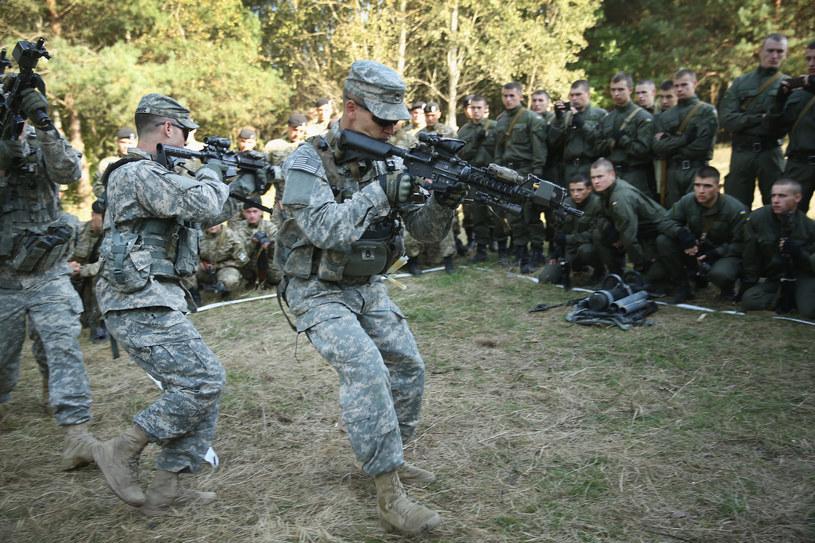 Amerykanie wspierają m.in. szkolenie ukraińskiej armii /Getty Images
