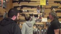 Amerykanie wykupują broń
