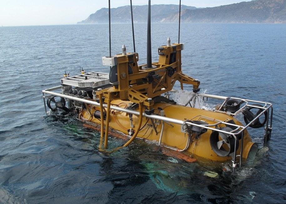 Amerykanie wysłali na pomoc swoje bezzałogowe mini-okręty podwodne /US NAVY/DANIEL MORENO  /PAP/EPA