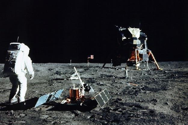 Amerykanie zostawili na Księżycu swój sprzęt.   Fot. NASA /materiały prasowe