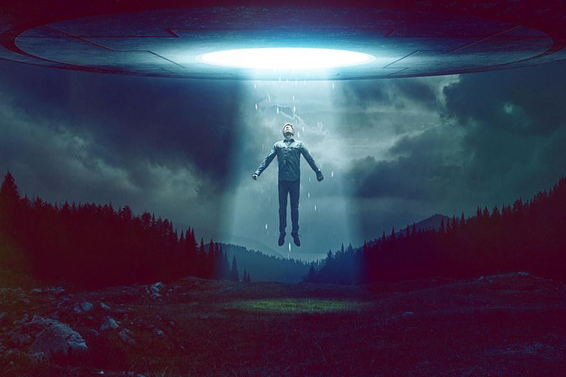 Amerykanin twierdzi, że UFO to nic innego jak pojazdy, które trafiły do nas z przyszłości /123RF/PICSEL