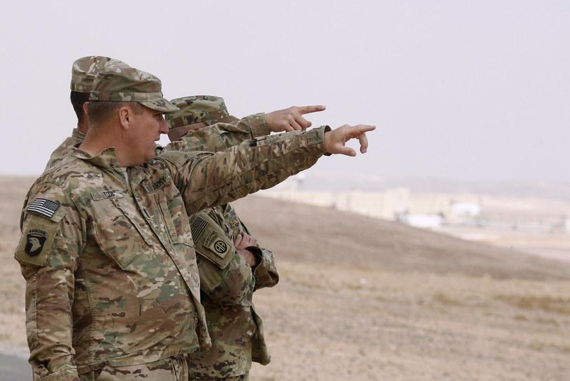 Amerykanin zabity w strzelaninie przed bazą szkoleniową w Jordanii /KHALIL MAZRAAWI /AFP