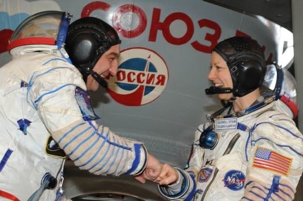 Amerykańscy astronauci oraz rosyjscy kosmonauci podczas szkolenia przed startem na ISS /AFP