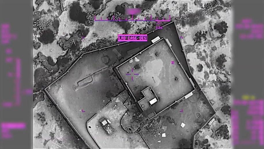 Amerykańska armia opublikowała zdjęcie z drona pokazujące kryjówkę Bagdadiego tuż przed atakiem na nią /DVIDS HANDOUT /PAP/EPA