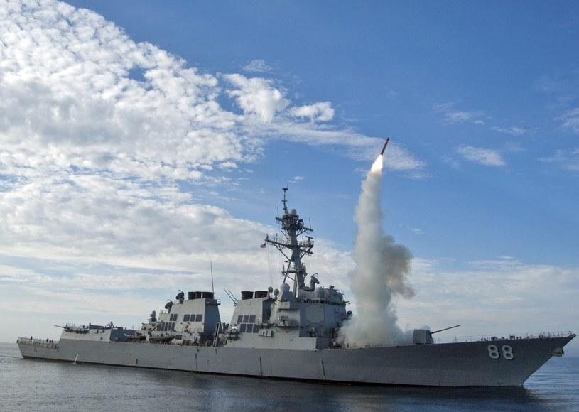 """""""Amerykańska strategia (...) nie poprawiła sytuacji"""" w regionie, na zdjeciu okręt wojenny USS Preble /PAP/EPA"""