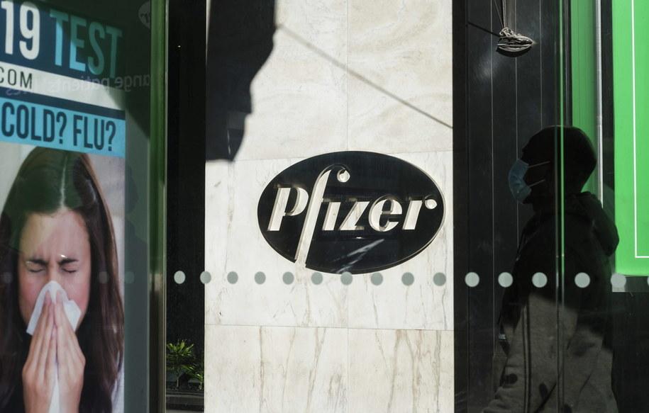 Amerykański koncern farmaceutyczny Pfizer twierdzi, że może wyprodukować do 1,3 mld dawek szczepionki przeciwko Covid-19 /JUSTIN LANE /PAP/EPA