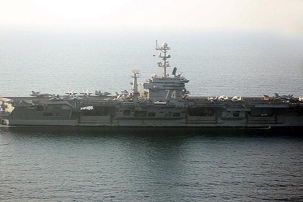 Amerykański lotniskowiec USS John C. Stennis /AFP