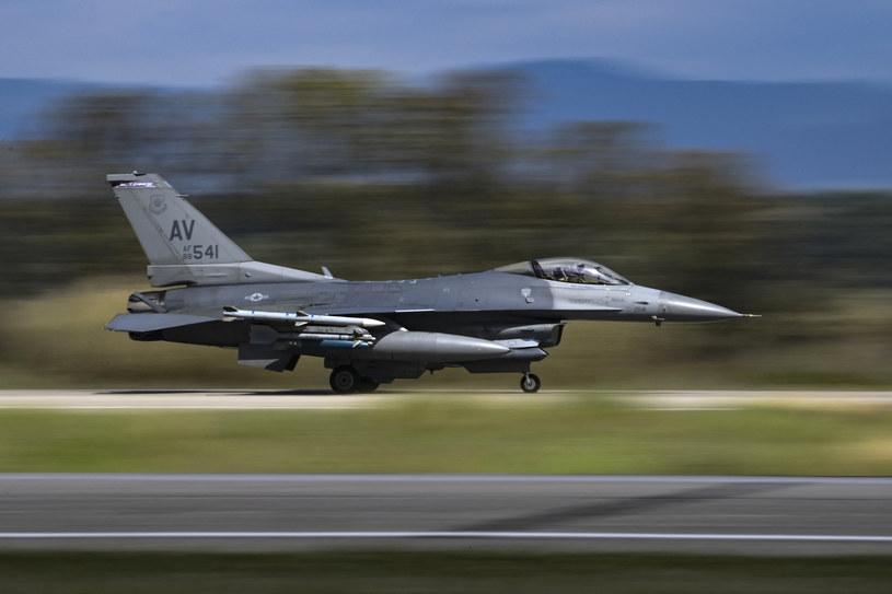 Amerykański samolot F-16 /ARIS MESSINIS / AFP /AFP