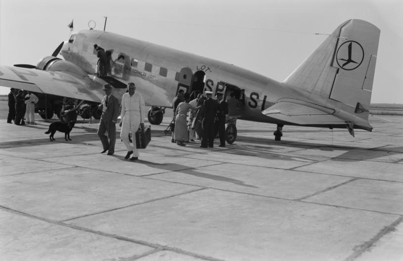 Amerykański samolot pasażerski DC-2 w barwach LOT /Biblioteka Kongresu USA /domena publiczna