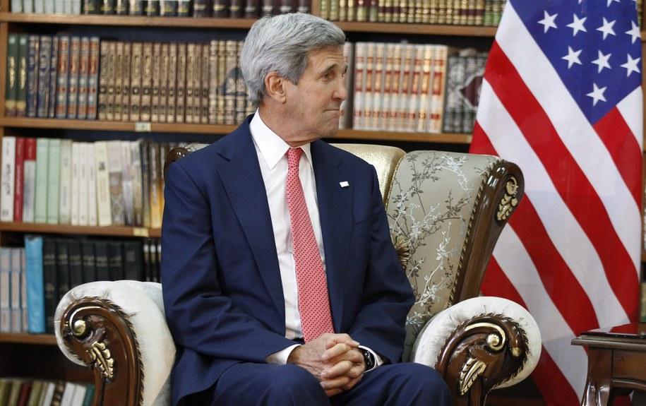 Amerykański sekretarz stanu John Kerry w Bagdadzie /THAIER AL-SUDANI  /PAP/EPA