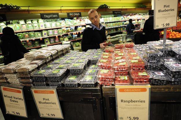 Amerykańskie borówki są cenowo atrakcyjne /AFP