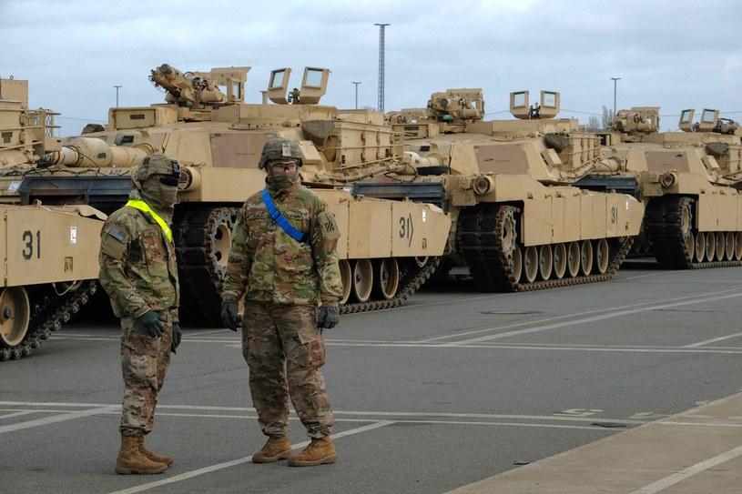 Amerykańskie czołgi M1 Abrams w porcie Bremenhaven w Niemczech /AFP