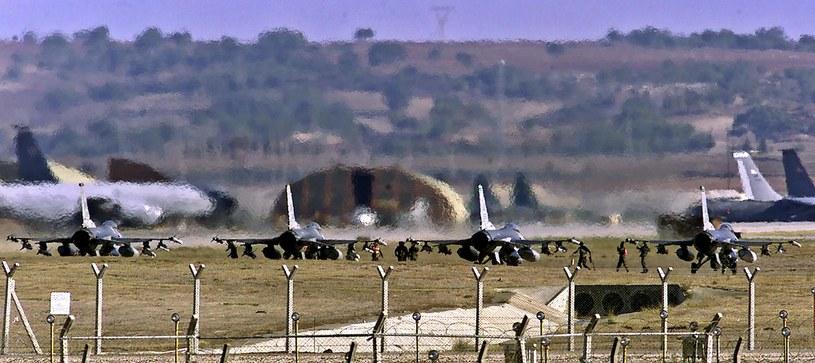 Amerykańskie myśliwce w bazie lotniczej w Incirlik /AFP