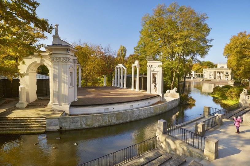 Amfiteatr w Łazienkach, w tle Pałac Królewski /Jan Wlodarczyk /Agencja FORUM
