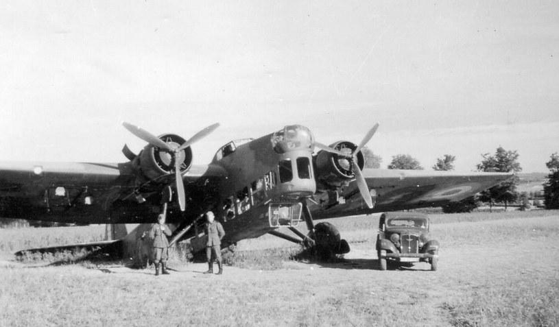 Amiot 143 - podstawowy bombowiec lotnictwa francuskiego w 1939 roku. Tutaj już w niemieckich rękach /Wikimedia Commons /INTERIA.PL/materiały prasowe