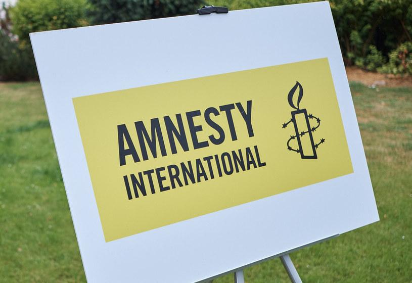 Amnesty International: Ponad 370 tys. listów napisano w Polsce w obronie praw człowieka /Bartosz Krupa /East News