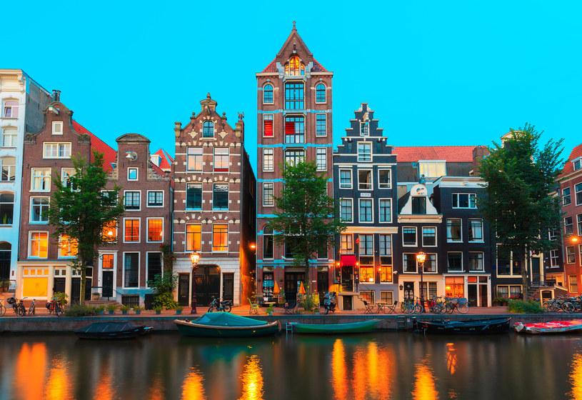 Amsterdam - stolica konstytucyjna Holandii /123RF/PICSEL