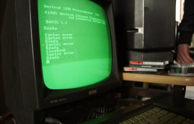 Amstrad - rzecz to niesłychana! To urządzenie nie obsługuje Facebooka /INTERIA.PL