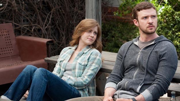 """Amy Adams i Justin Timberlake w filmie """"Dopóki piłka w grze"""". /materiały dystrybutora"""