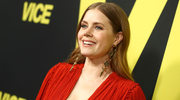 Amy Adams z dekoltem do pasa na premierze!