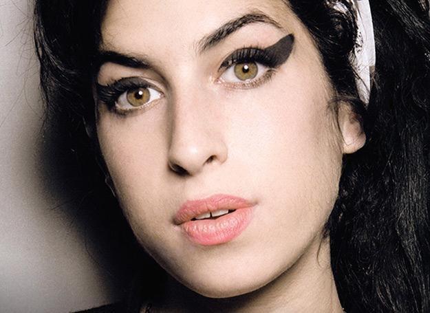 """Amy Winehosue na okładce książki """"Amy. Moja córka"""" /"""