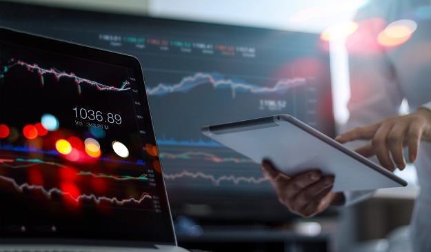 Analityków martwić mogą słabnące inwestycje /©123RF/PICSEL