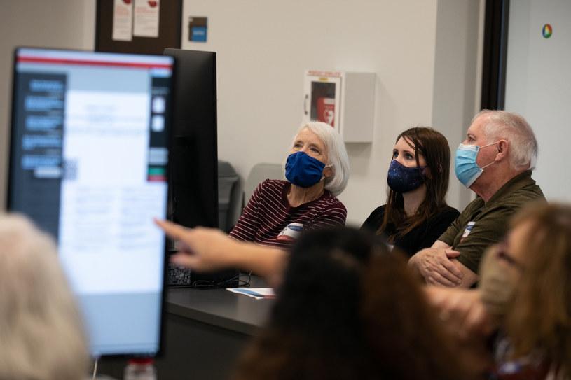 Analiza zeskanowanych kart wyborczych w stanie Georgia /AFP
