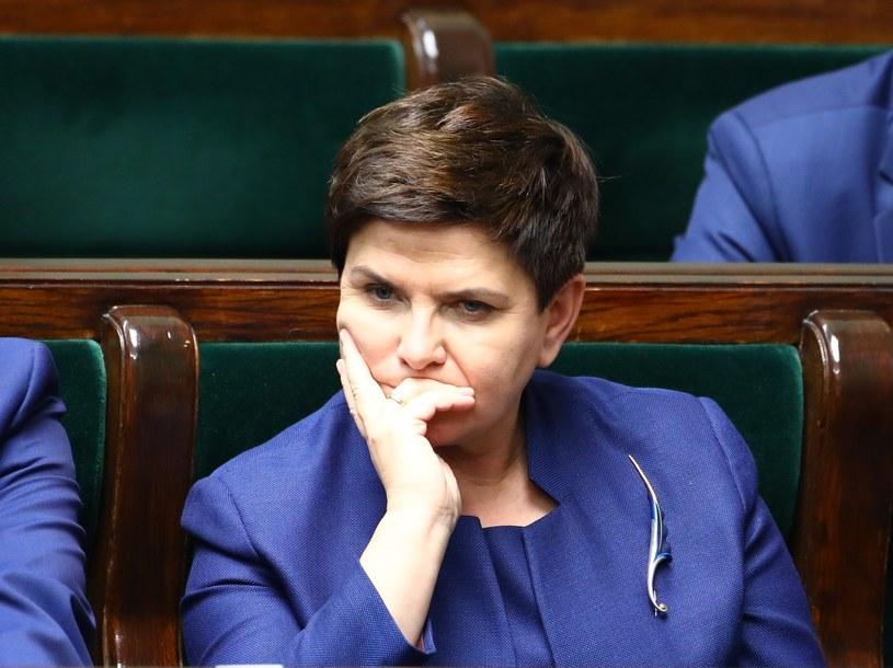 Analizie miano poddać lata 2015 i 2016 na zlecenie ówczesnej premier Beaty Szydło /STANISLAW KOWALCZUK /East News