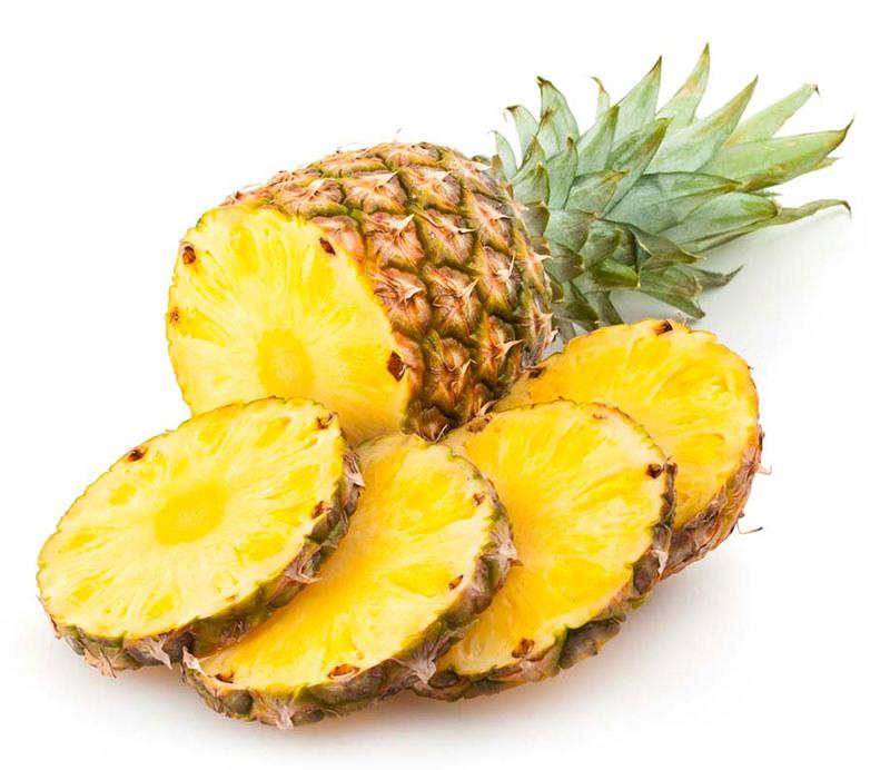 Ananas na przeziębienie /© Photogenica