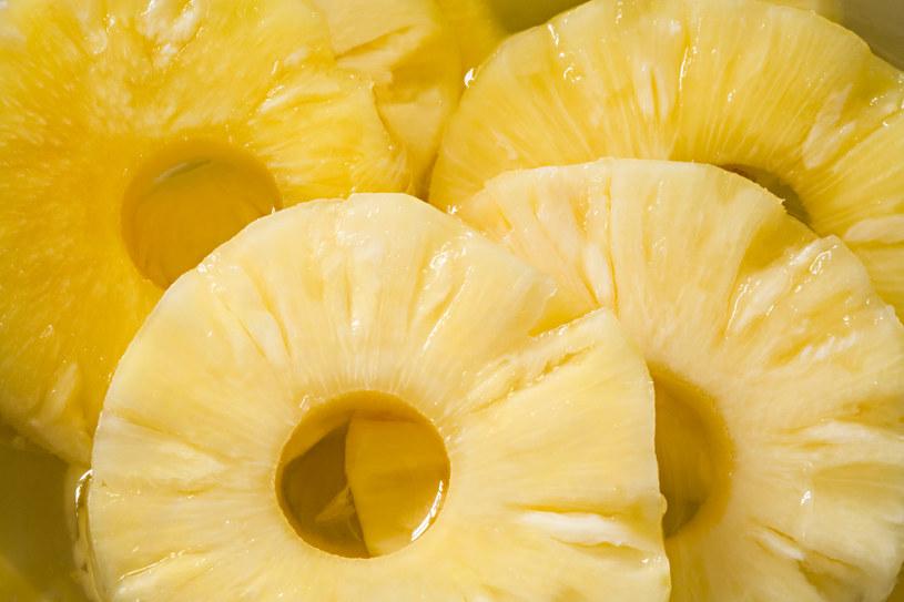 ananas na raka /© Photogenica