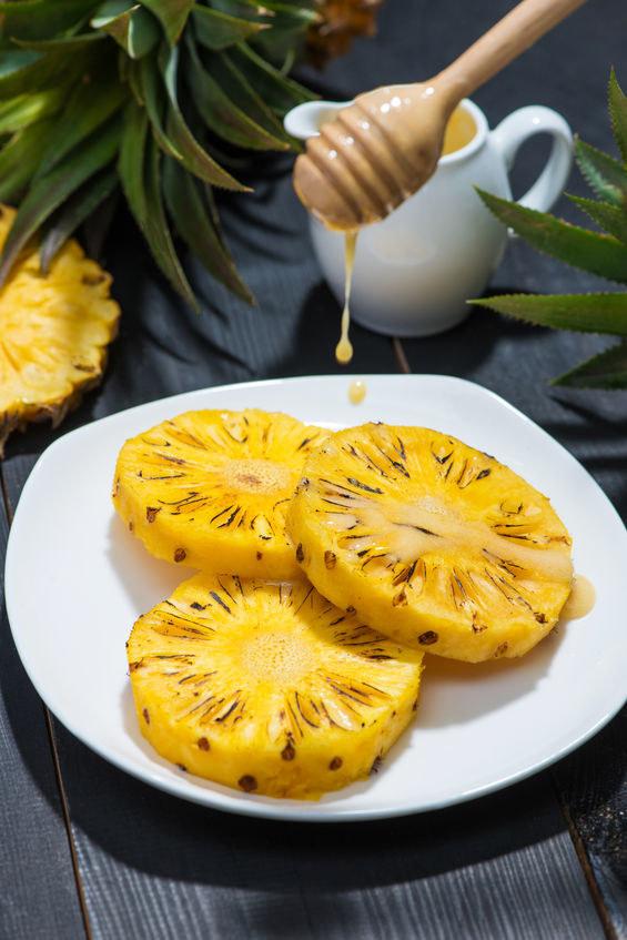 Ananas na trawienie /©123RF/PICSEL