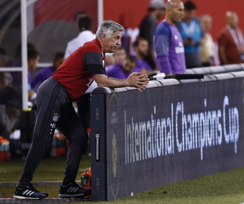 Ancelotti podczas spotkania Bayernu w trakcie okresu przygotowawczego /AFP