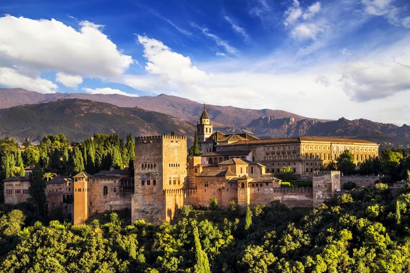 Andaluzja słynie z architektury, która nawiązuje do kultury arabskiej /Adobe Stock