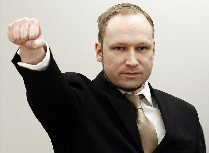 Anders Breivik skarży się na łamanie praw człowieka /AFP