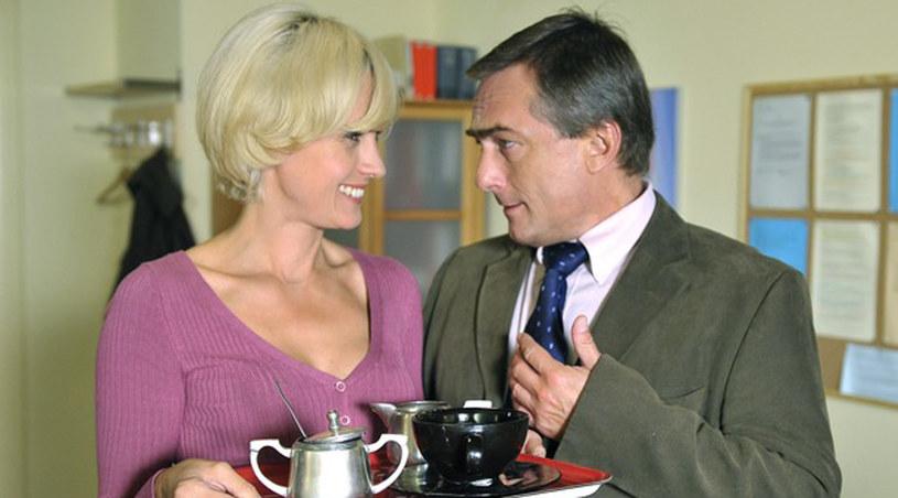 Aleksandra Woźniak i Adam Bauman piją herbatkę / Beata Banasiewicz /AKPA