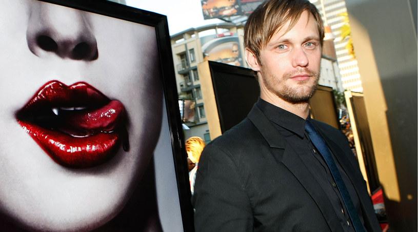 Alexander Skarsgard w serialu gra wampirzego szeryfa - Erica /Michael Buckner  /Getty Images/Flash Press Media