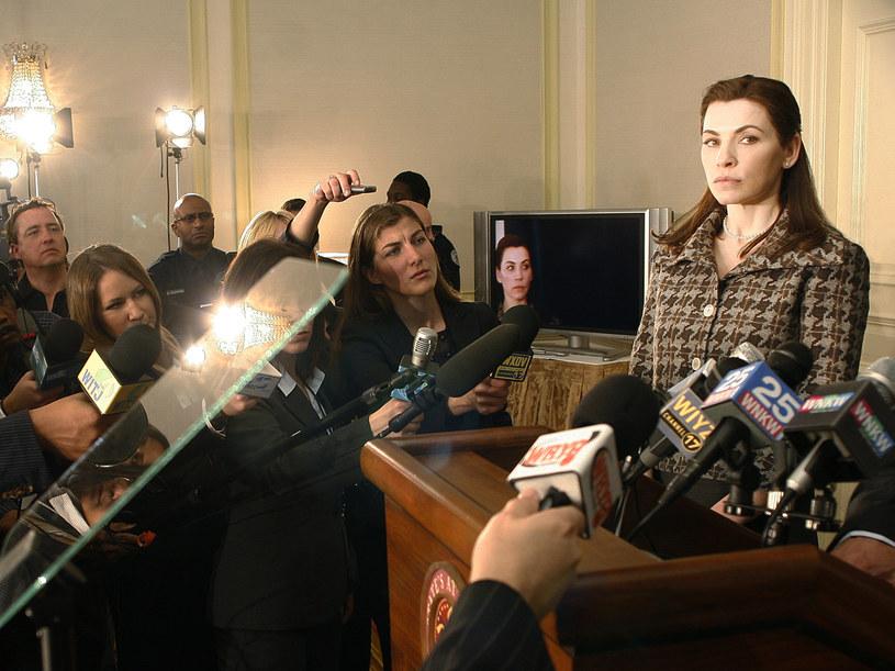 Alicia Florrick musiała zmierzyć się ze skandalem wywołanym przez swojego męża. /materiały prasowe