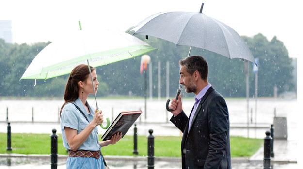 Anka (Magda Kumorek) z Robertem (Robert Gonera). /Agencja W. Impact