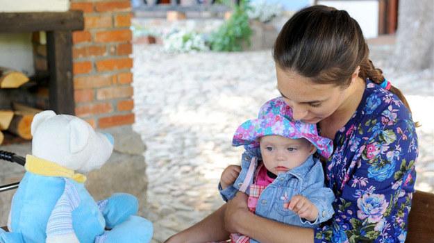 Anna Czartoryska z serialową córeczką /Agencja W. Impact