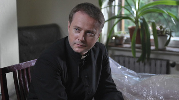 Artur Żmijewski jako ksiądz Mateusz /Agencja W. Impact
