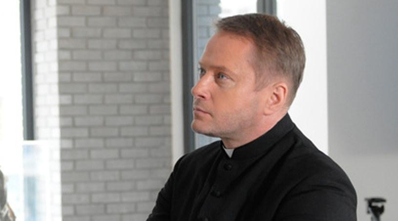 Artur Żmijewski jako ojciec Mateusz /Agencja W. Impact
