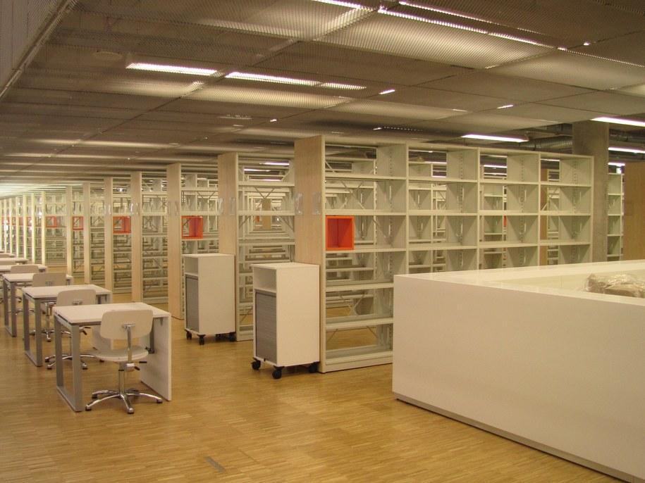 biblioteka Uniwersytetu Śląskiego i Uniwersytetu Ekonomicznego w Katowicach /Anna Kropaczek /RMF FM