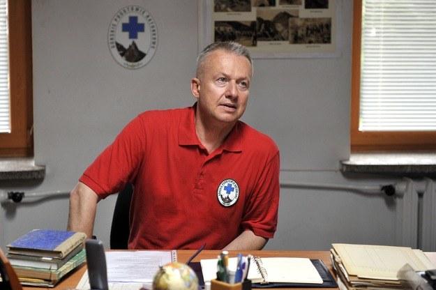 Bogusław Linda rządzi zza biurka /AKPA