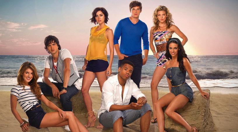 """Bohaterowie """"90210"""" na plaży /CW /materiały prasowe"""