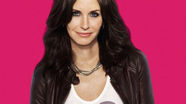 """Courtney Cox znamy z kultowego serialu """"Przyjaciele"""", obecnie aktorka jest też producentką """"Cougart Town: Miasto kocic"""", w którym gra główną rolę Jules /materiały prasowe"""
